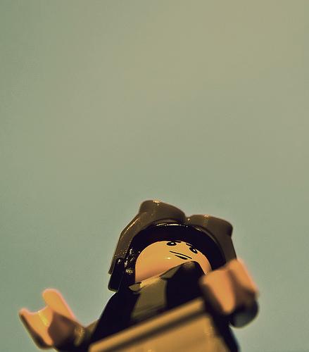 Old timey aviator. Image:legomyphoto.wordpress.com